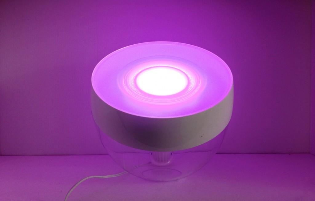 living color iris de philips la lumi re command e par smartphone. Black Bedroom Furniture Sets. Home Design Ideas