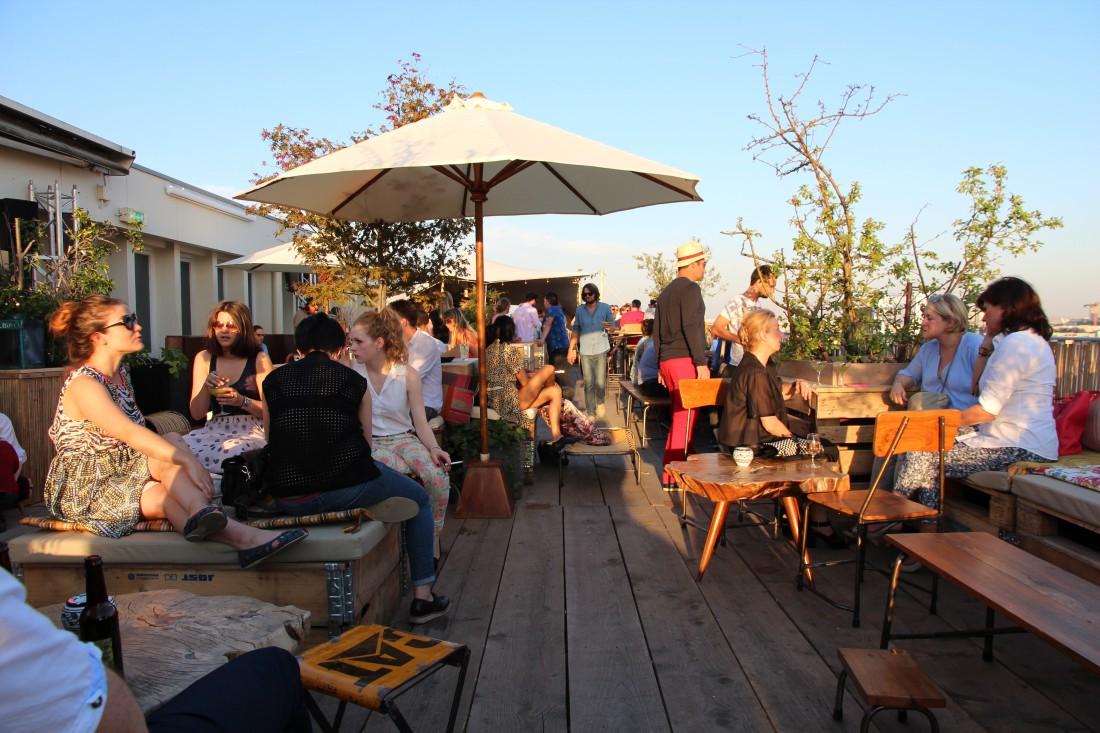 Terrasse Toit Paris Bar : 5 Terrasses et Rooftop Bars u00e0 Paris Pour la Fin de l u0026#39;Et u00e9