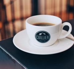 Café Cuillier Allongé Montmartre