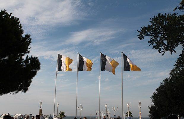 drapeau arcachon couleurs