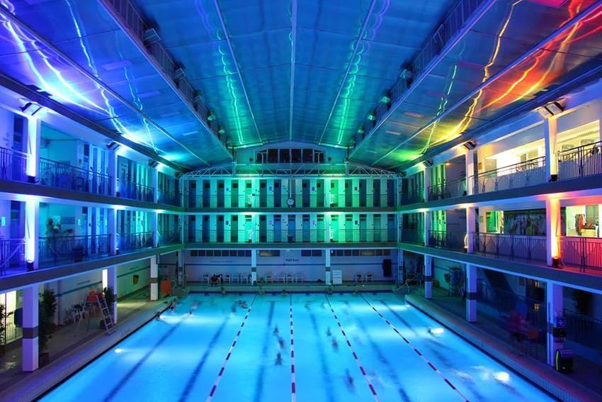 D couvrez les plus belles piscines de paris pour nager for Piscine nocturne paris