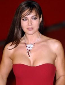 Monica Bellucci soirée rouge