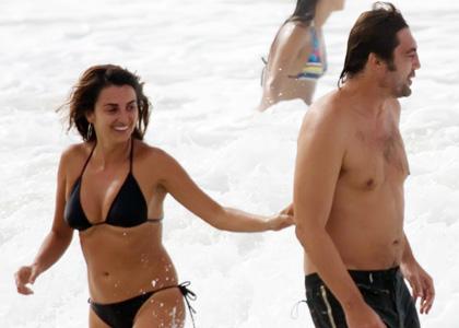 Javier Penelope à la plage
