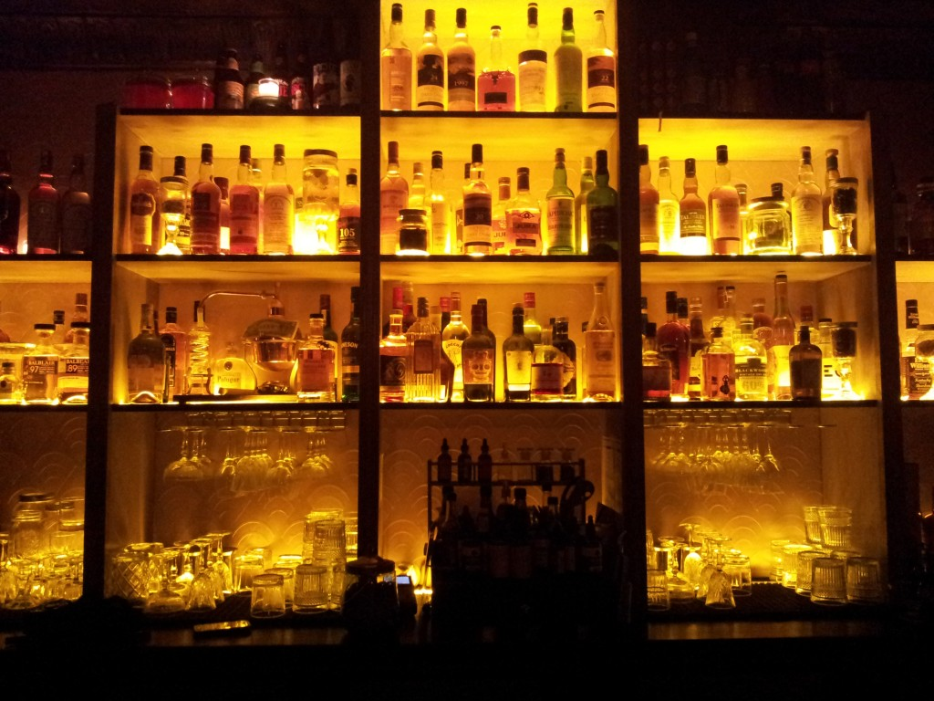 Le bar à cocktails Moonshiner à Paris