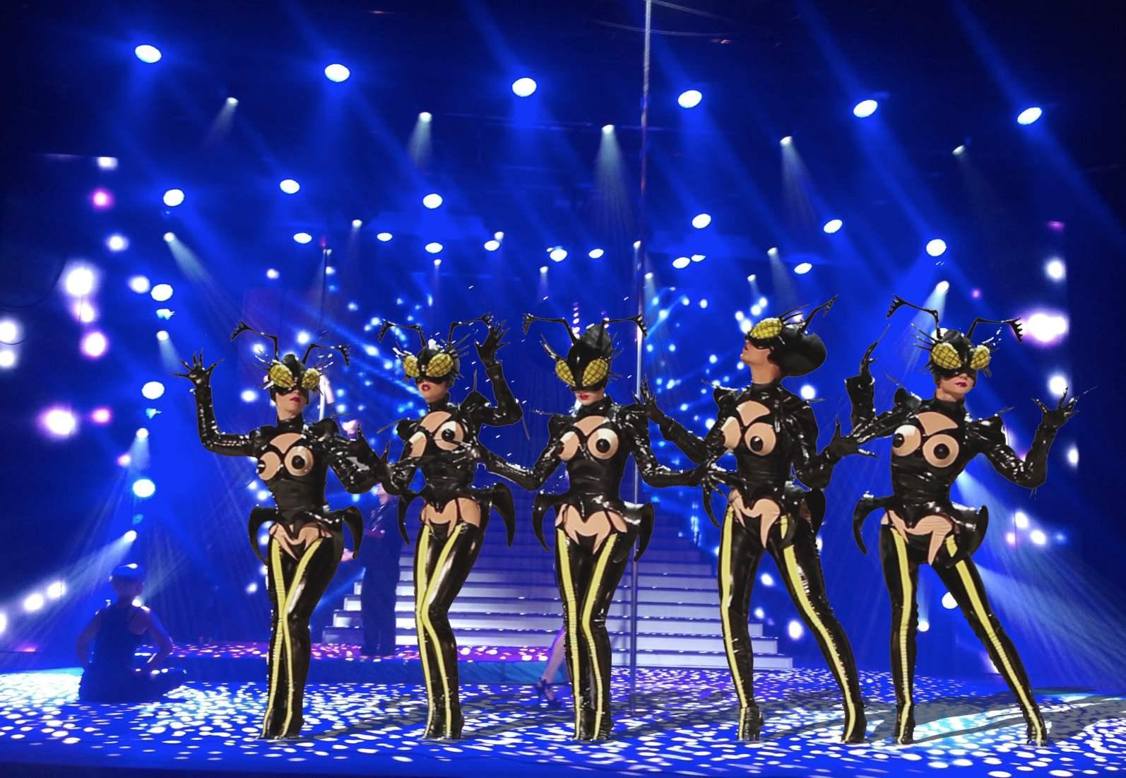 Mugler Follies : des stars sur scène, des étoiles dans les yeux !