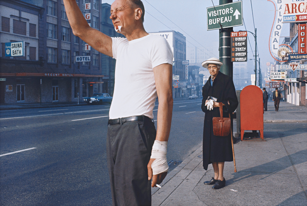 Exposition-100-ans-Leica-Fred-Herzog-Man-with-bandage