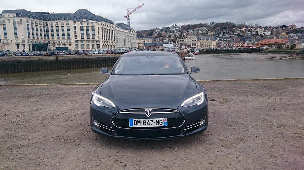 Tesla Port Deauville Casino Trouville