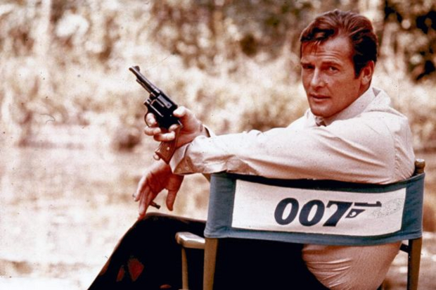 Acteurs-James-Bond-Roger-Moore