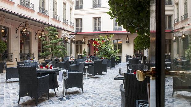 Cour-Buddha-Bar-Hotel
