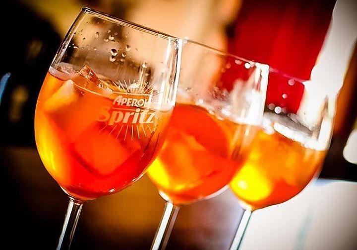 Le Spritz : Tout Savoir Sur la Success Story Marketing Du Cocktail De L'Eté