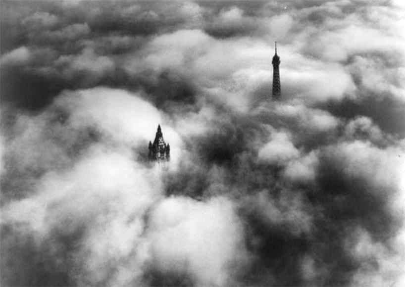 Woolworth & Tour Eiffel la tête dans les nuages