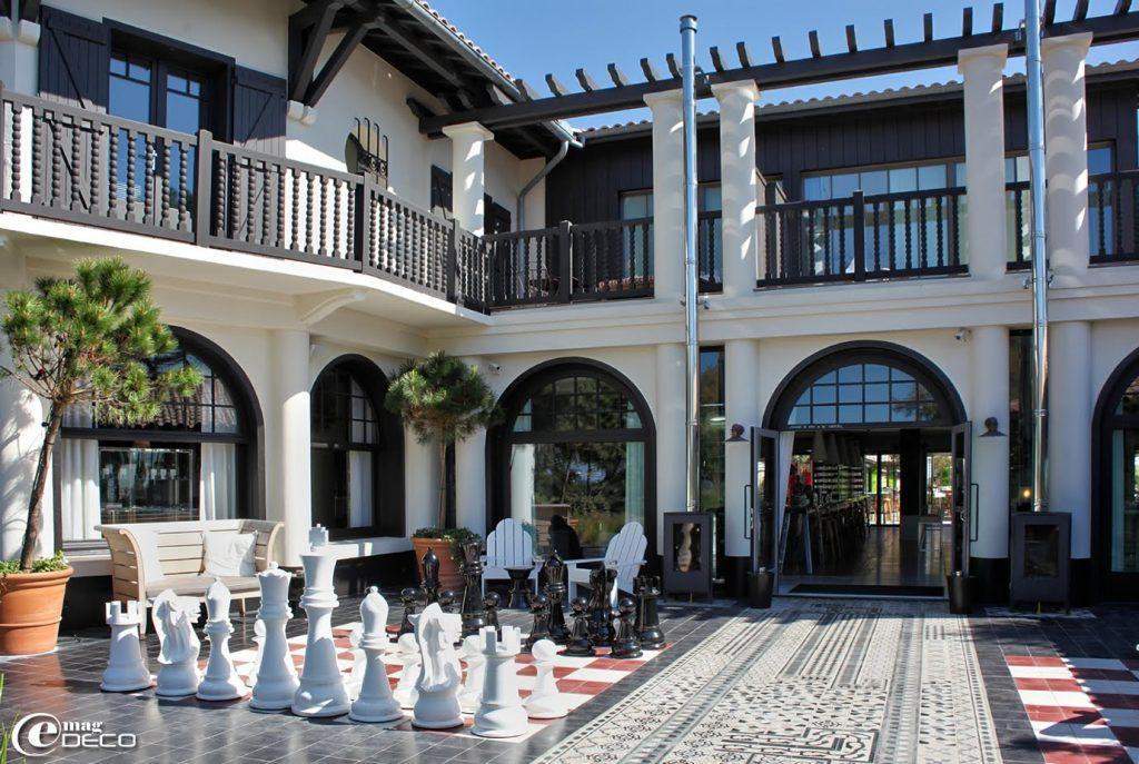 Jeu d'échecs hôtel la coorniche
