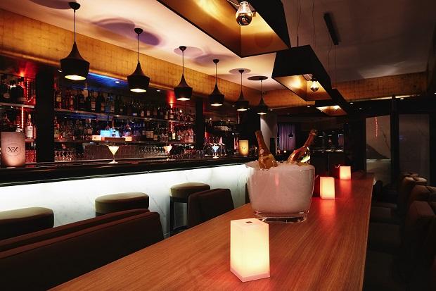 Vingt-2 : Quand Un Blogueur Lifestyle Teste un Nouveau Restaurant, Dit-Il la Vérité ?