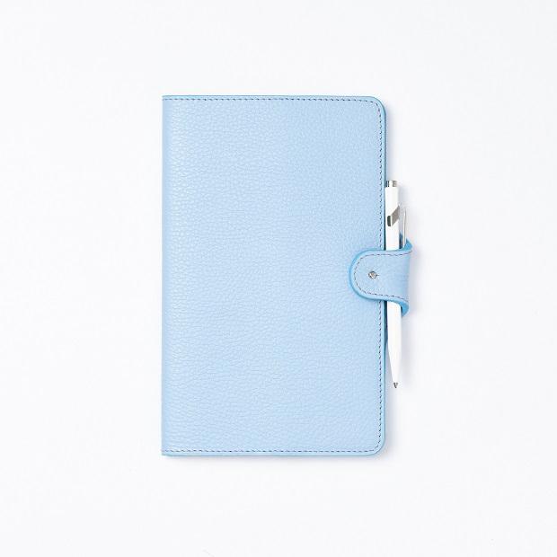dymant-perfect_notebook_cover-soft_blue-exterieur