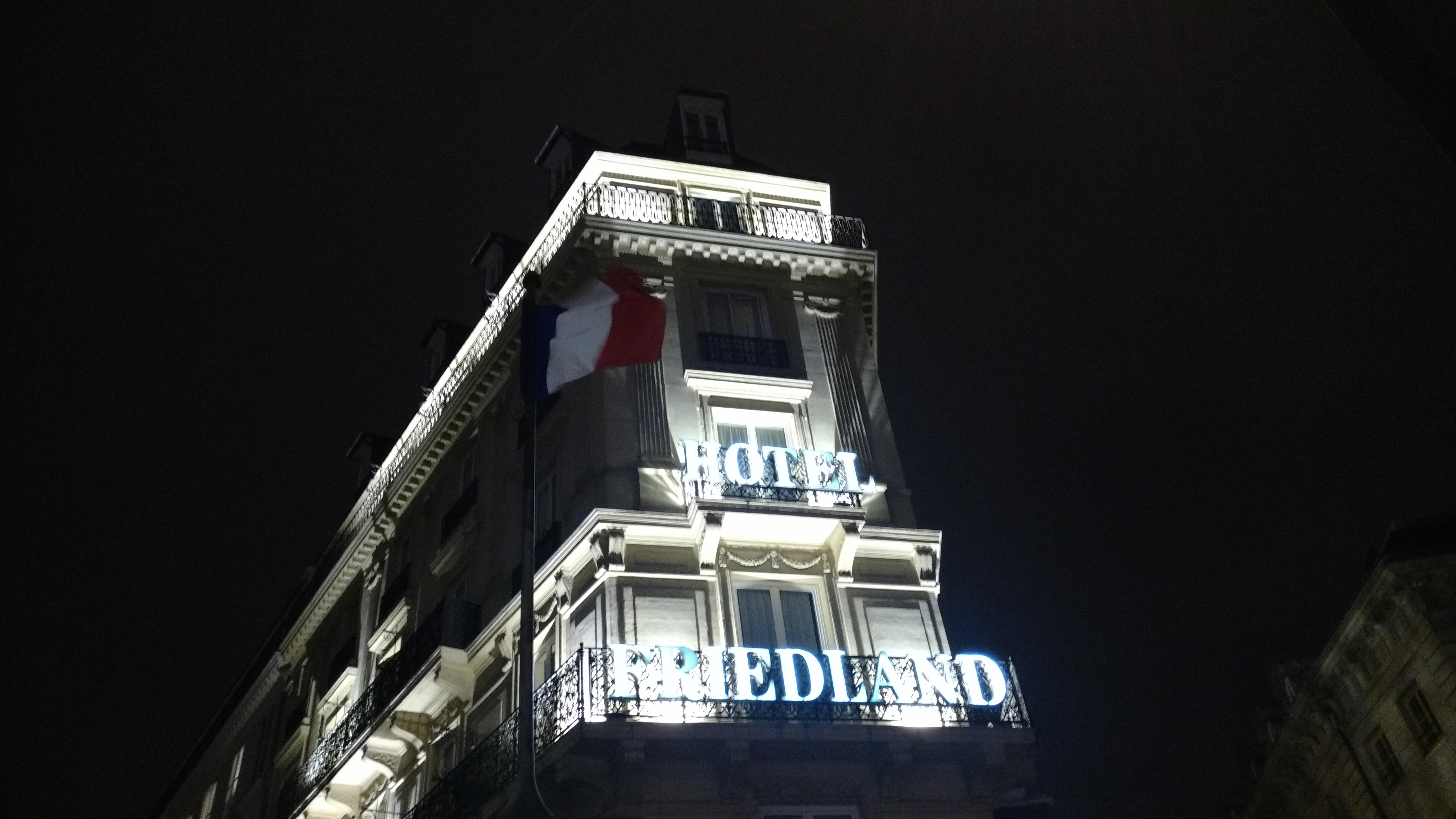 Façade hôtel Friedland Champs Elysées