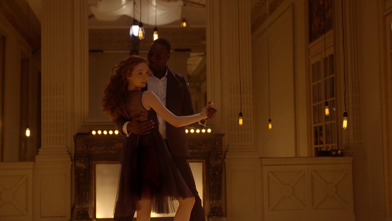 Omar Sy danse en Weston