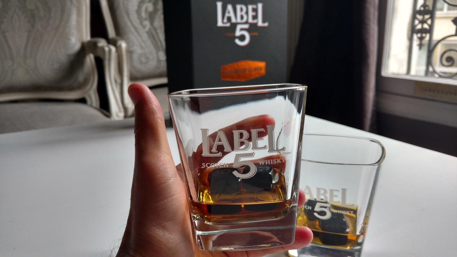 Label 5 whisky Premium Black