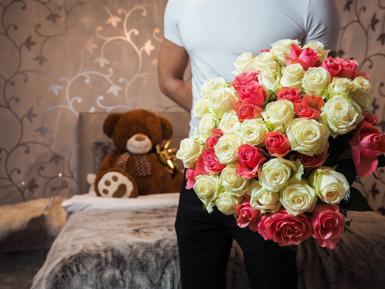 offrir des fleurs pour se faire pardonner