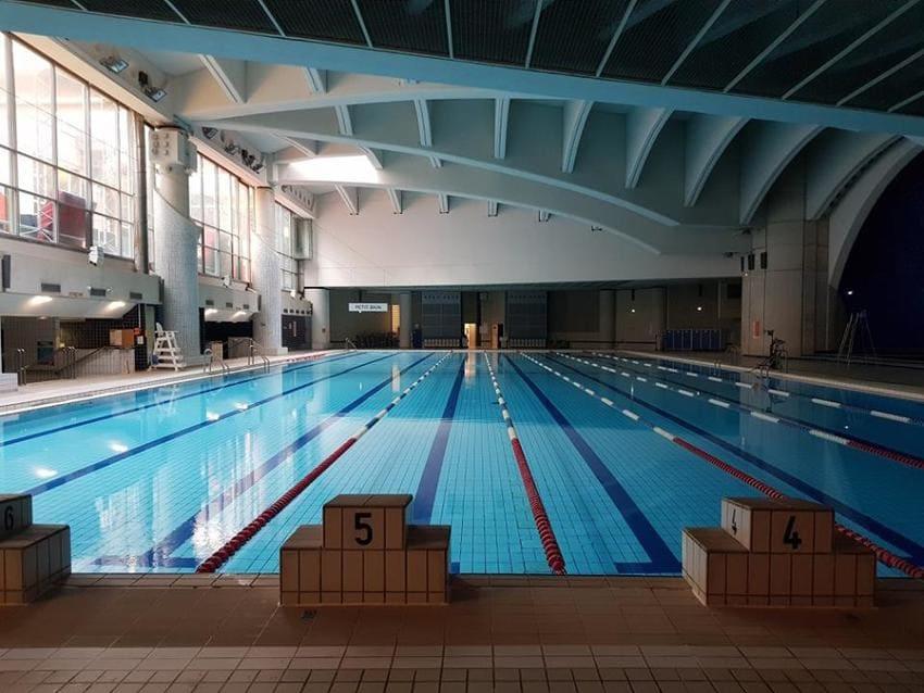 d couvrez les plus belles piscines de paris pour nager. Black Bedroom Furniture Sets. Home Design Ideas
