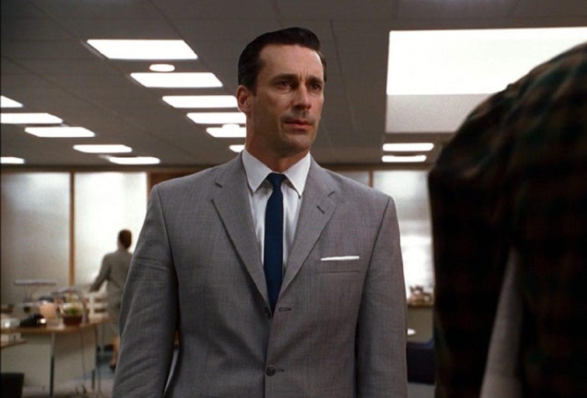 Mes 3 conseils pour porter le costume homme gris avec classe