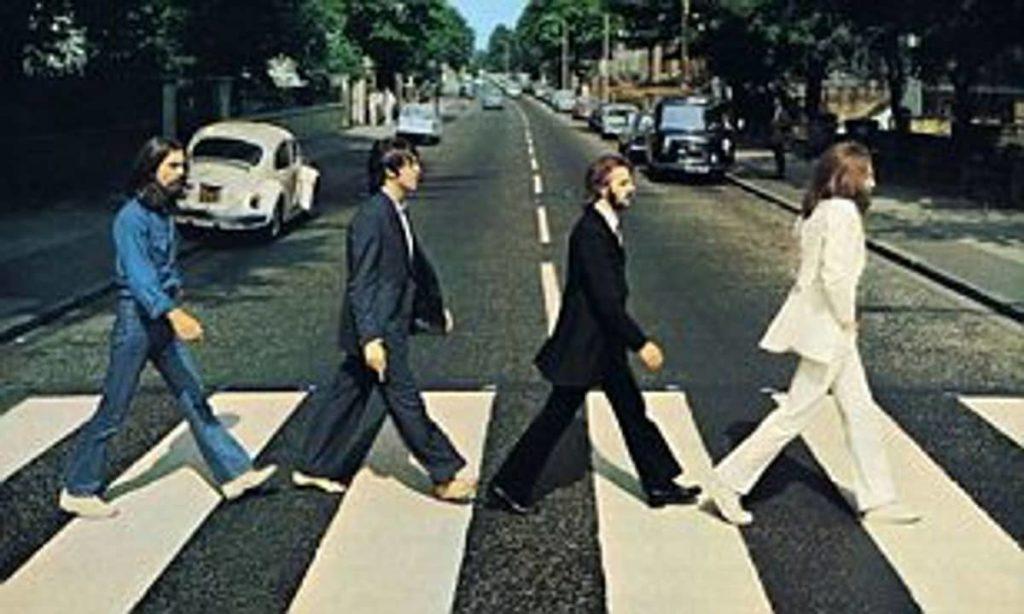 costume blanc John Lennon