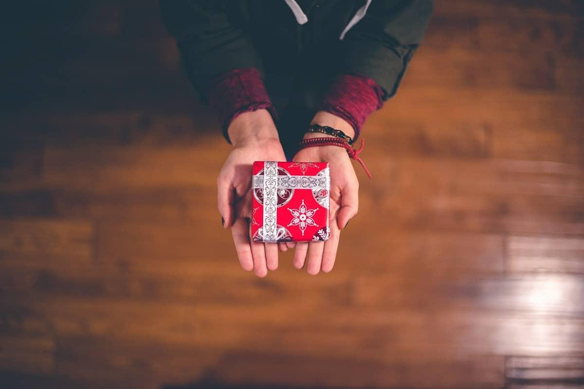 Les cadeaux les plus drôles au monde (si vous voulez embarrasser l'autre)