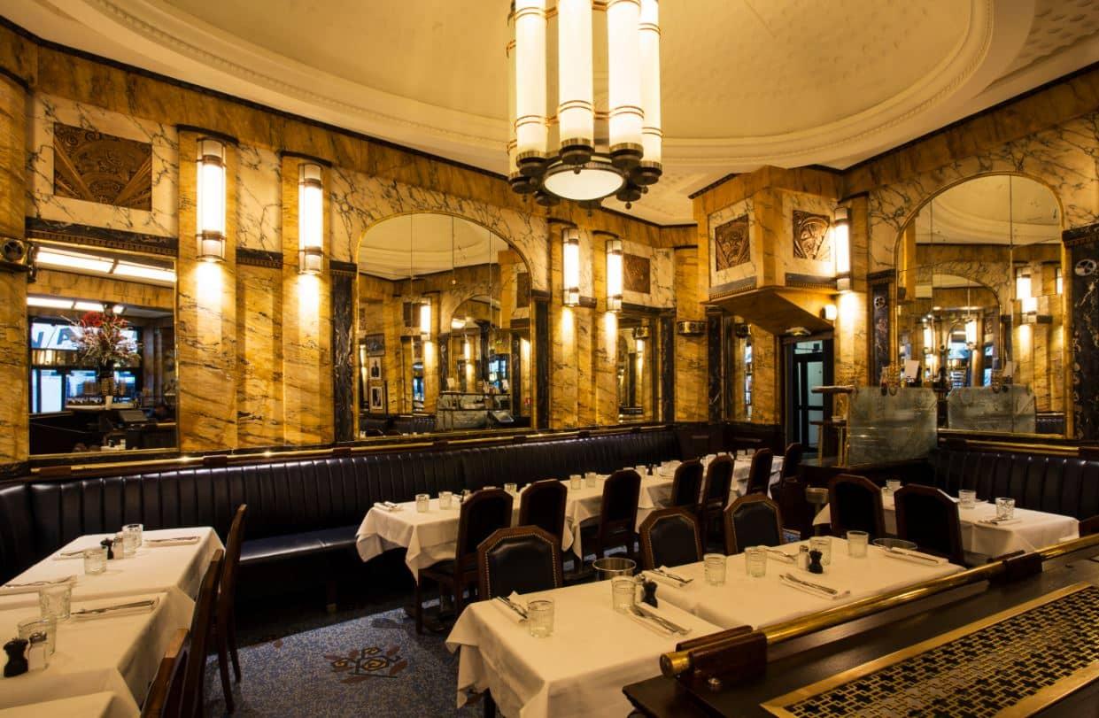 paris-choucroute-restaurant-vaudeville