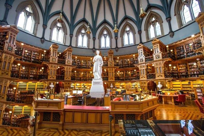 Bibliothèque-du-Parlement-Canada