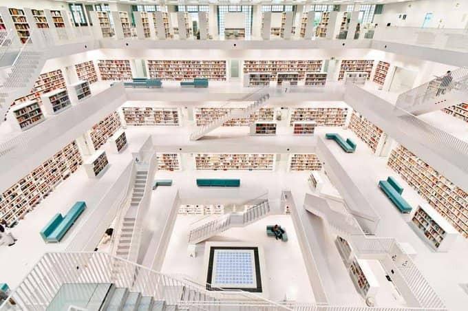 Bibliothèque-publique-de-Stuttgart