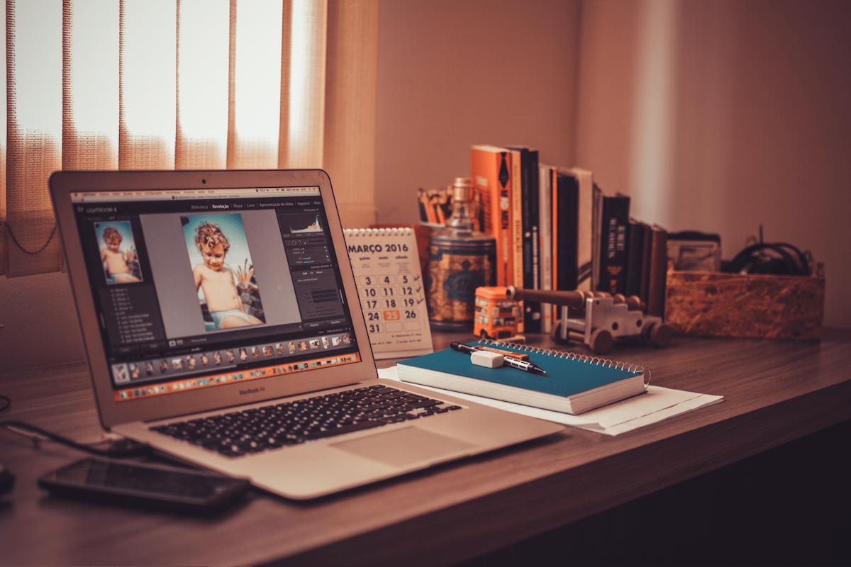 Les 5 outils indispensables de la vie du freelance: le 3ème me pourrit la vie.